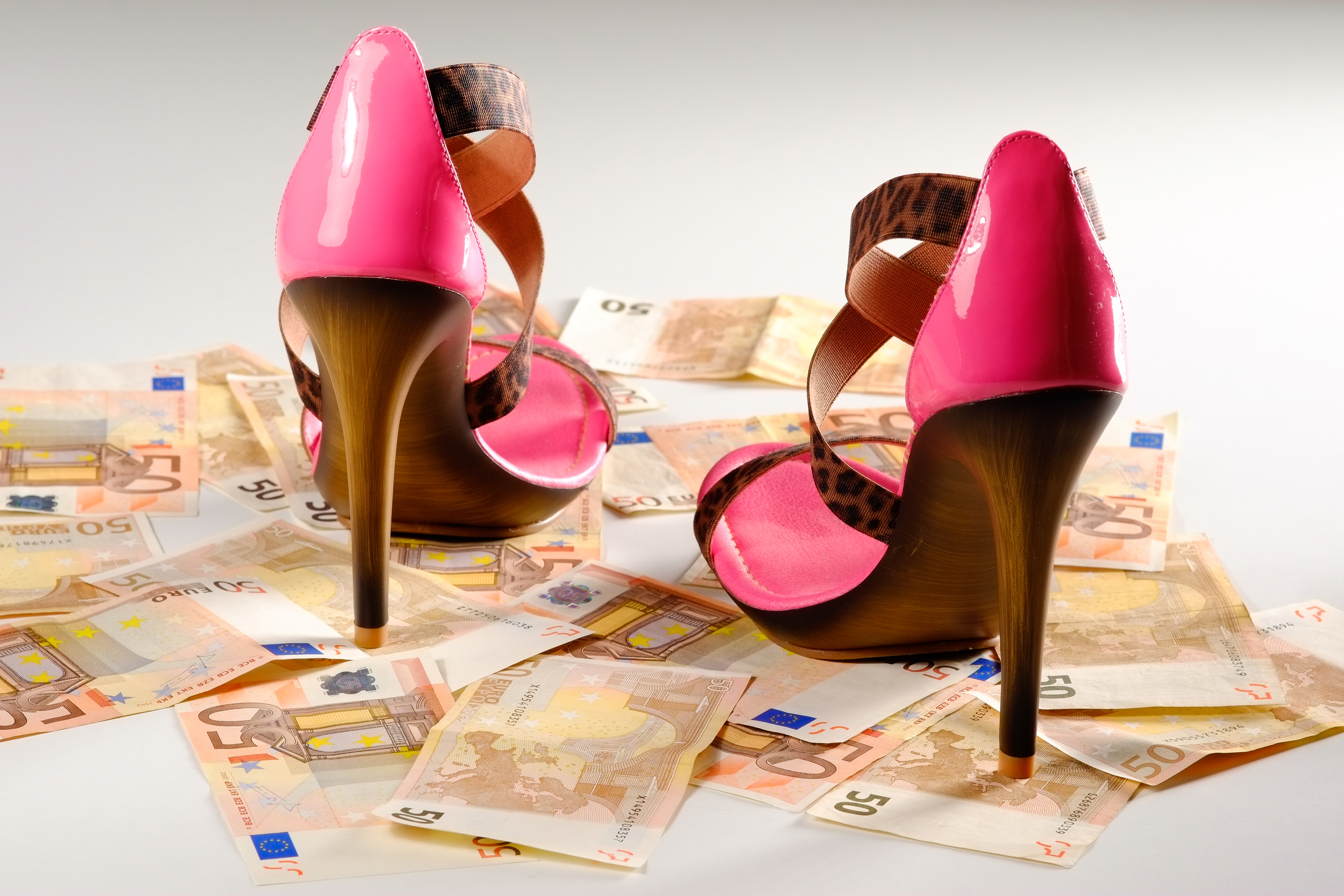 high heels mit geldscheine 9